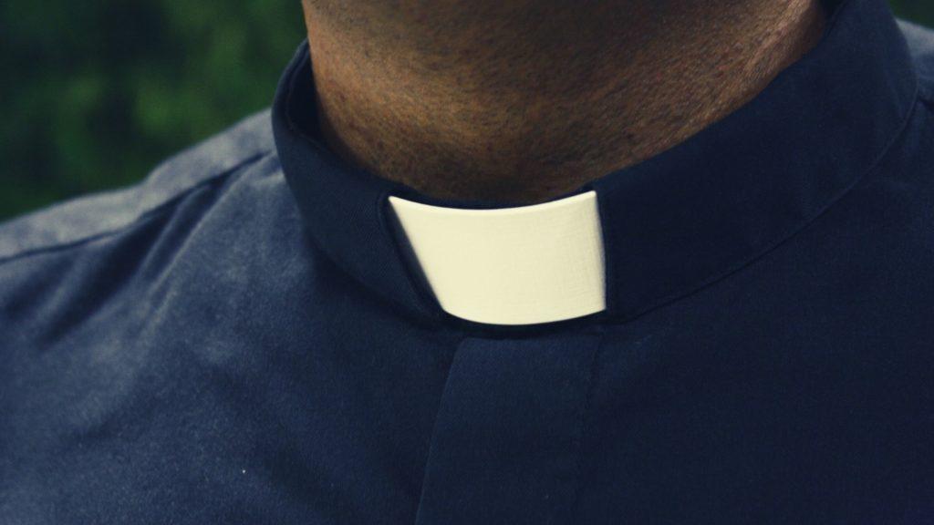 ksiądz celibat