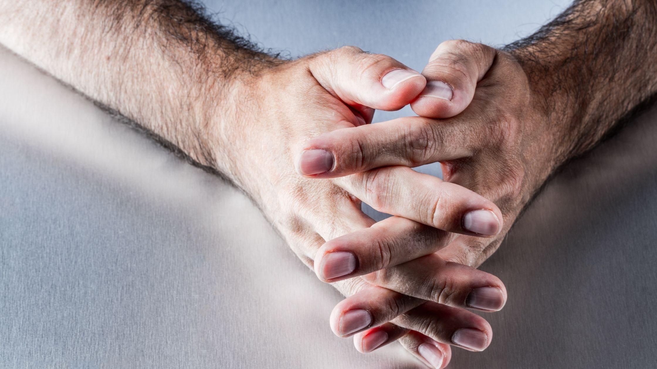od masturbacji rosną włosy na dłoniach
